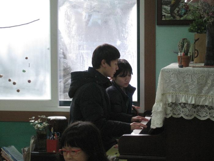 3밥상머리 공연.JPG